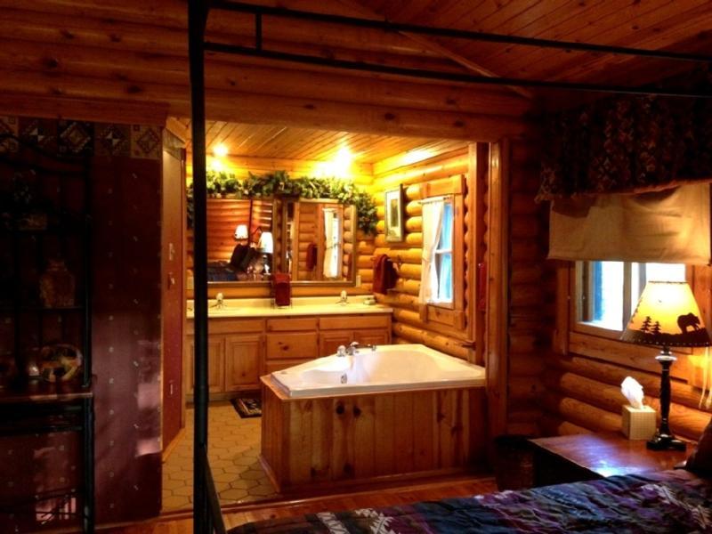Bedroom to Jacuzzi & Vanity View