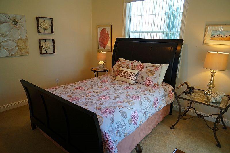 Bedroom #3, Queen bed, full closet