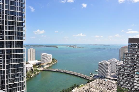 Icon Brickell / W Hotel residences - 1 bedroom apartment with water
