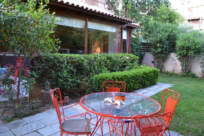 Beautiful house on Saronida, holiday rental in Saronida