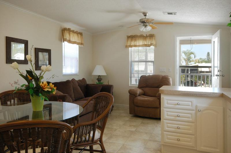 Cozy Cottage In Three Lakes Rv Resort Has Air Conditioning