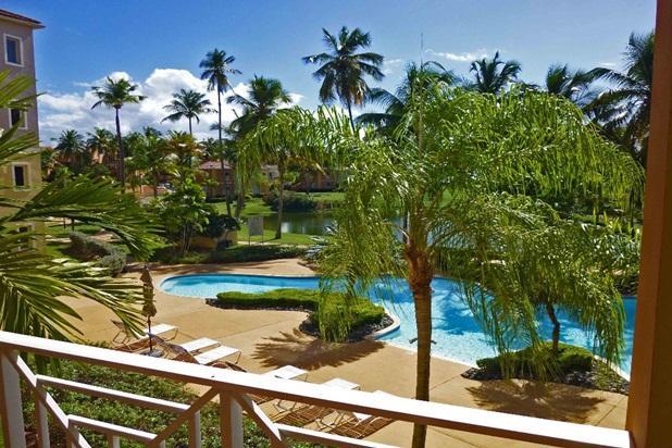 Direct view to Palmas Doradas pool area.