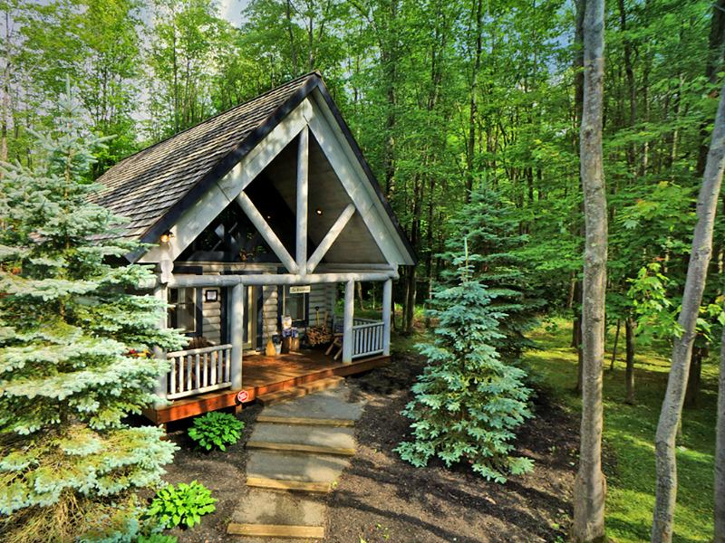 Open the Front Door to Your Romantic or Small Family Getaway