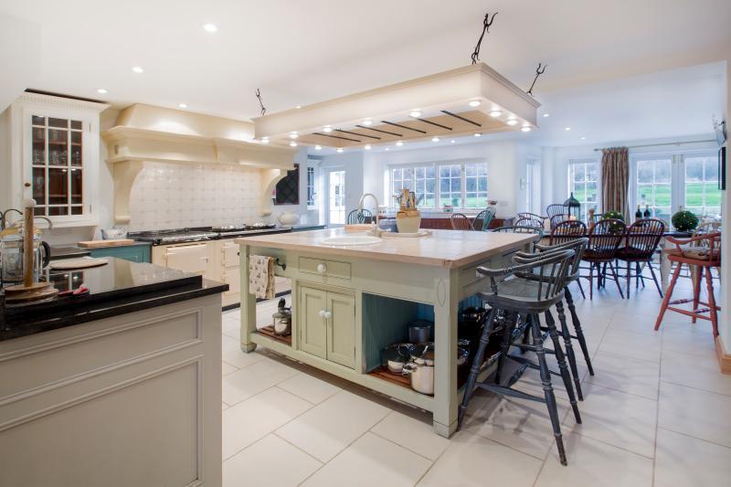huge, but homely kitchen diner