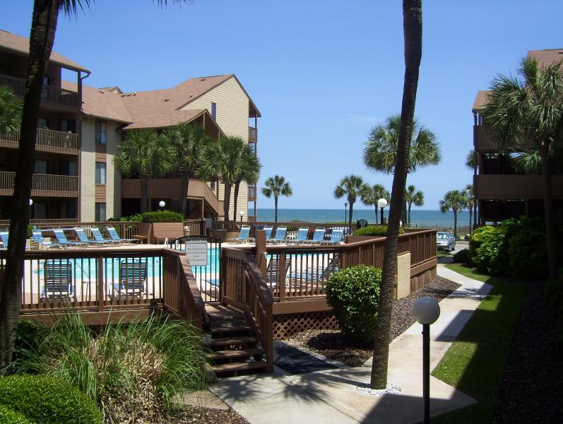 Gorgeous view of pool and ocean from deck