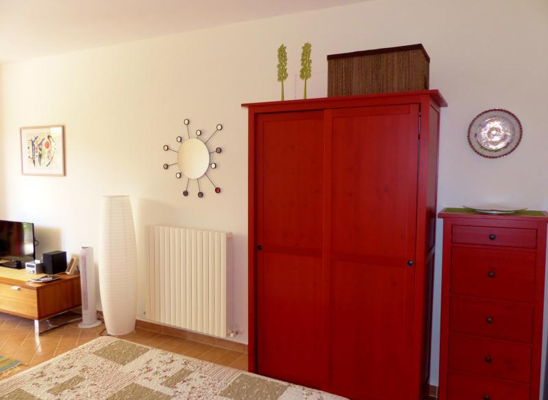CARDELLINO - bright, modern bedroom furniture