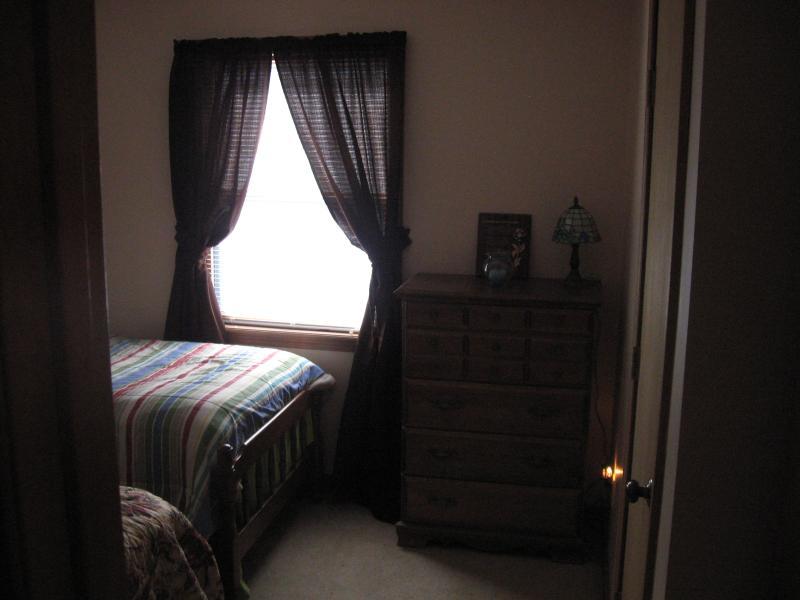 2 nd Bedroom  1 Queen 1 twin