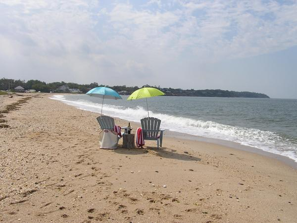 Shorecrest Beach House, 4 bedroom private beach front, new renovation, vacation rental in Southold