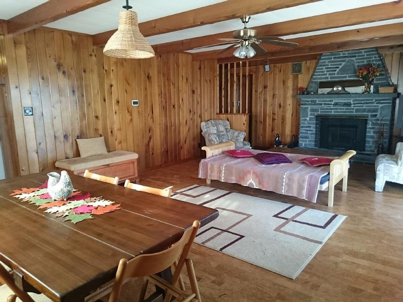 Nice Cozy Home In A Beautiful Gated Hemlock Farms, vacation rental in Dingmans Ferry