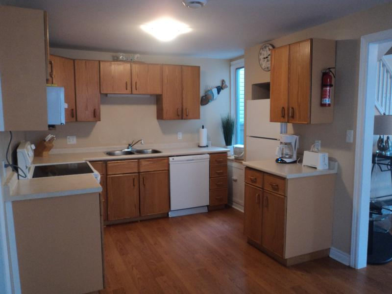 Oak Kitchen-fully equipped