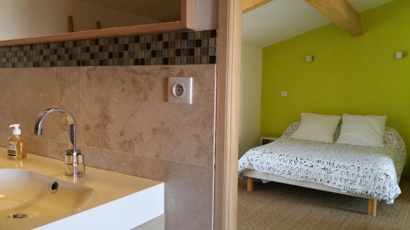 La salle de bain WC sous les combles