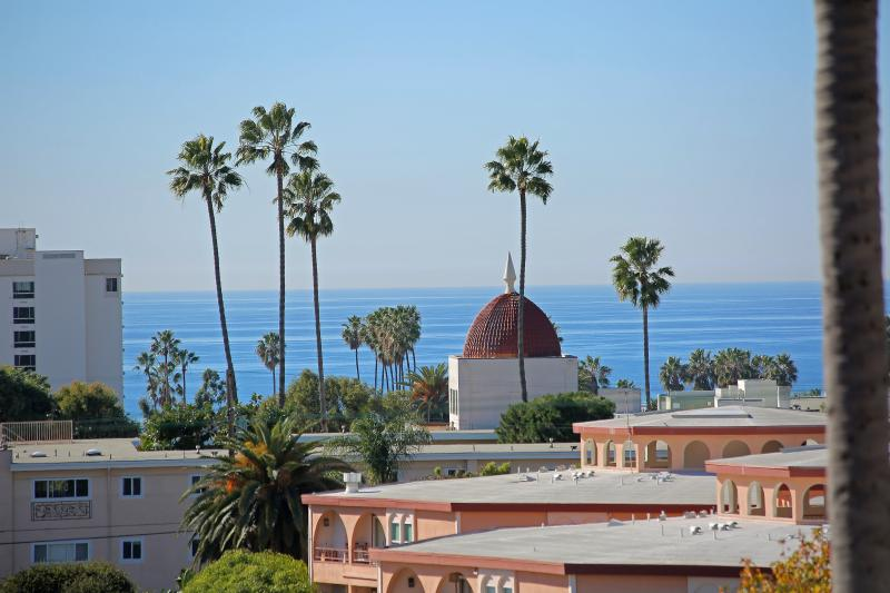 Ocean View beach comfort, holiday rental in Santa Monica