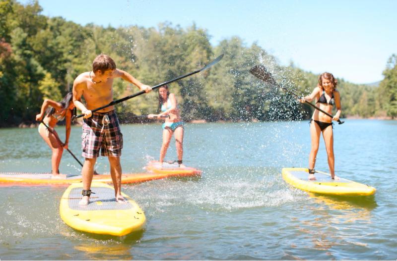 Kayak gratuiti, Paddleboards, canoe e molto altro!