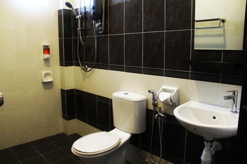 Room 8 and 9 bathroom