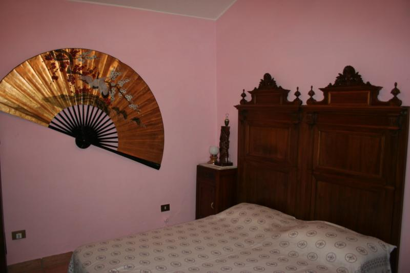 Second bedroom-double bed