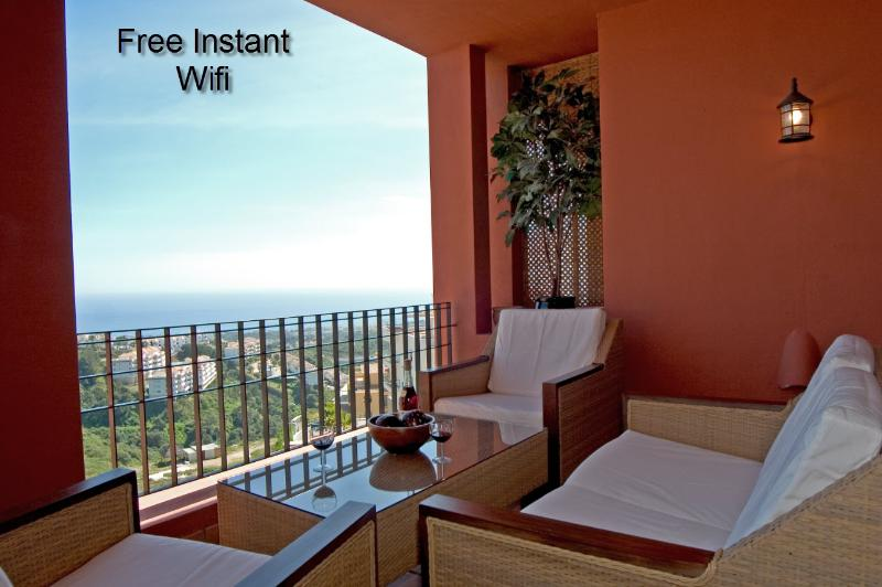 Amazing Sea views with massive terrace, free Wifi, Dozens of UK and euro TV channels, excellent Valu