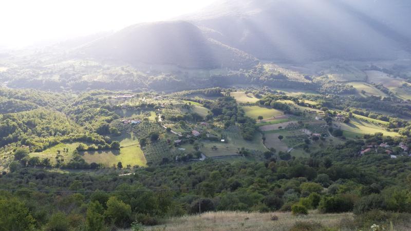 La casa vista dal paese Montasola