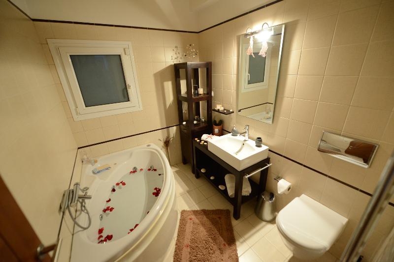 Villa Magic Perla | Bathroom