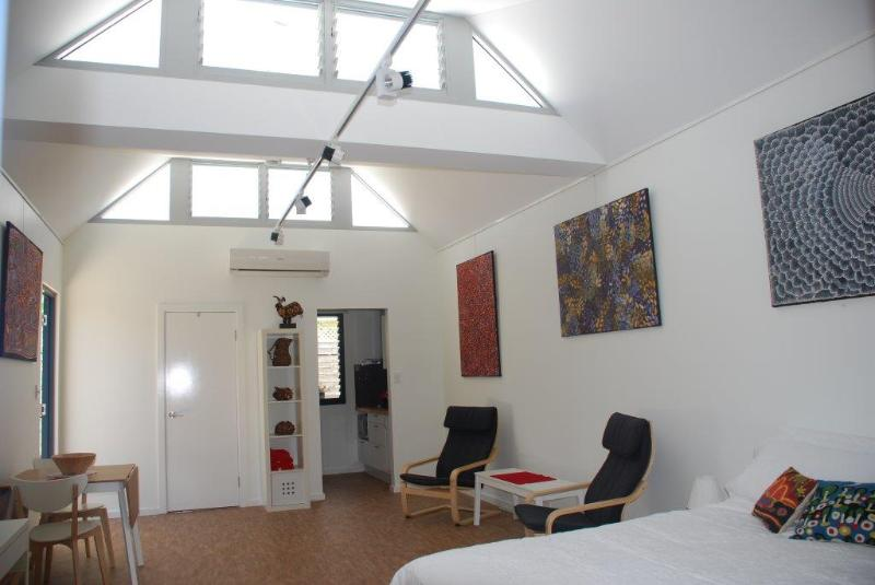 Stay in your own Art Gallery, holiday rental in Spearwood