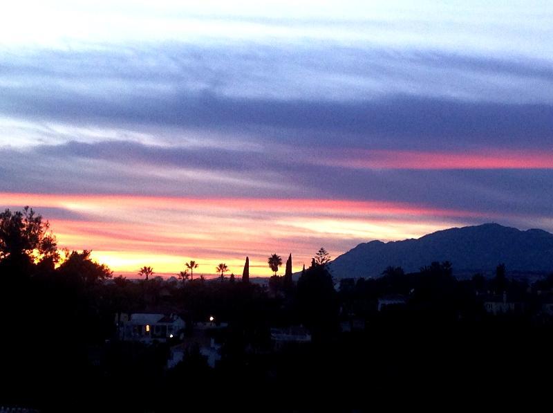 Utsikt över solnedgången från takterrassen - du kommer inte att hitta en bättre i världen!