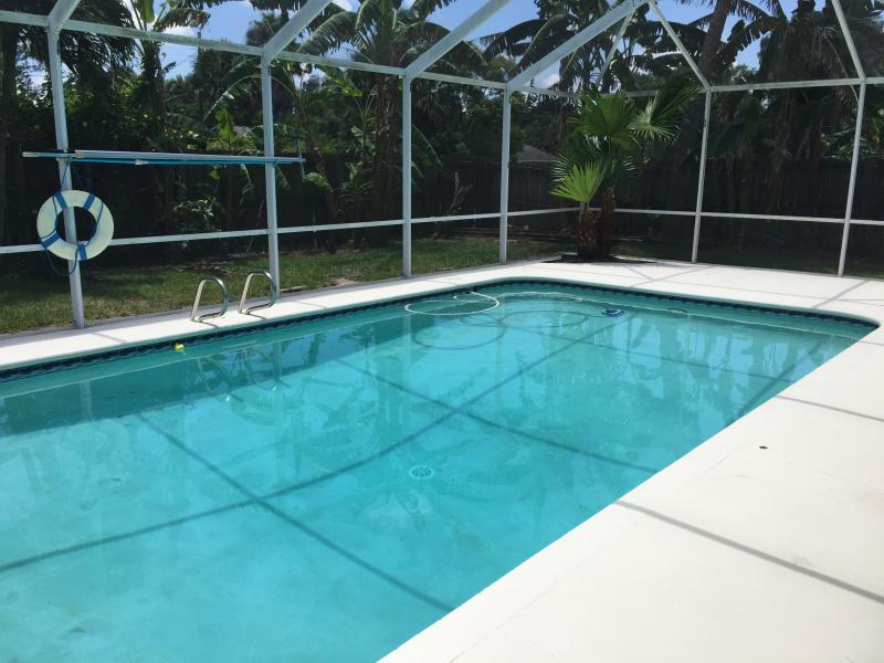 Volleyball pool, deeper in the middle and shallow on each end of the pool.