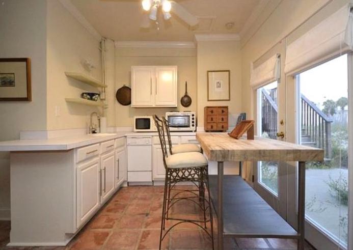 Studio kitchen and bar area (flat panel tv)