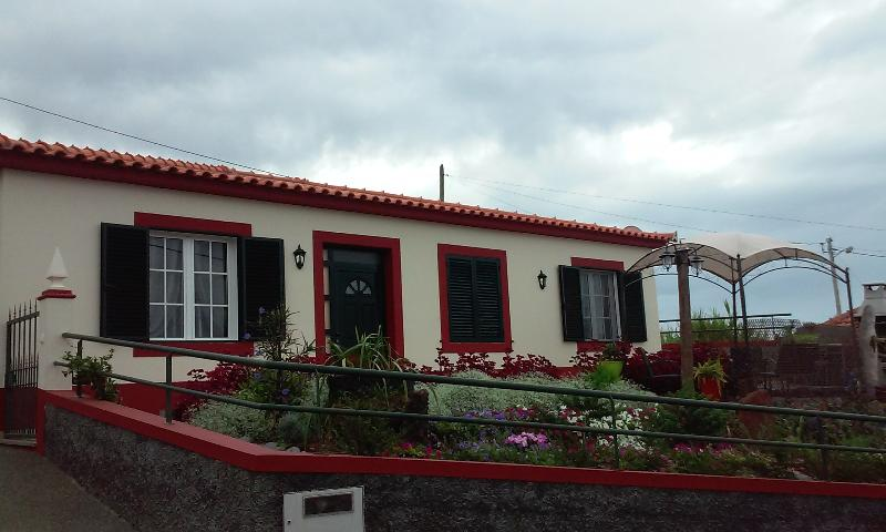 BELA HOUSE, holiday rental in Estreito da Calheta