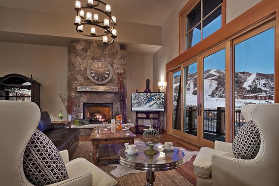 Spacious living room with spectacular views of the ski area