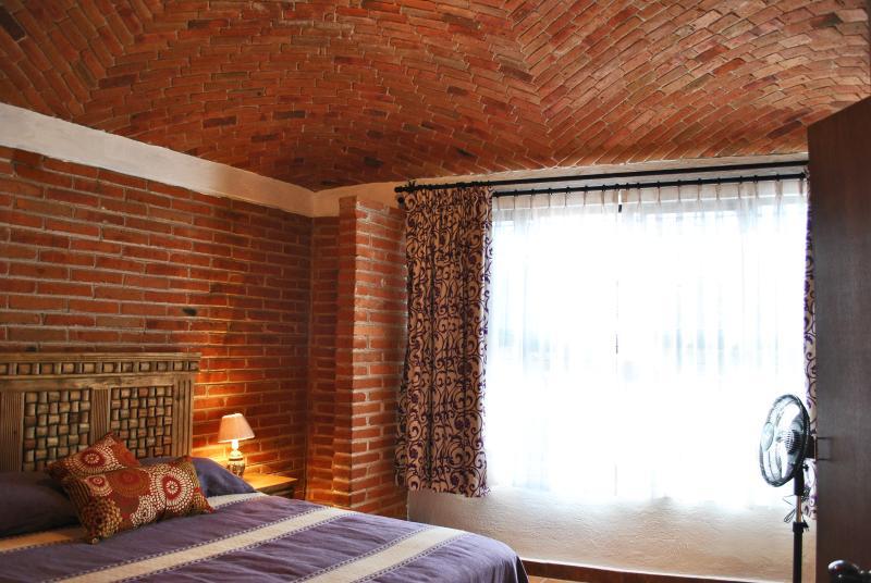 Casa Geranios Tequisquiapan Downtown 3 bedrooms House, vacation rental in Tequisquiapan