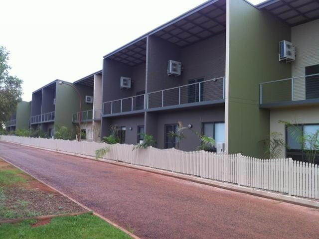 Modern,spacious, self contained living close to Cable Beach