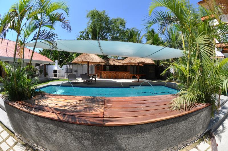 Parrot Resort Apartment, holiday rental in Argao