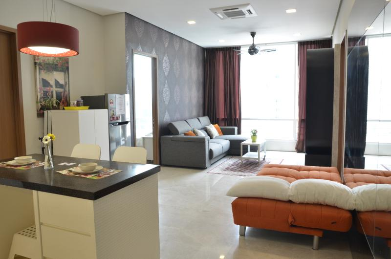 Nice and cosy apartment at KLCC City centre surrounding by shopping mall, ,restaurant & Clubs!