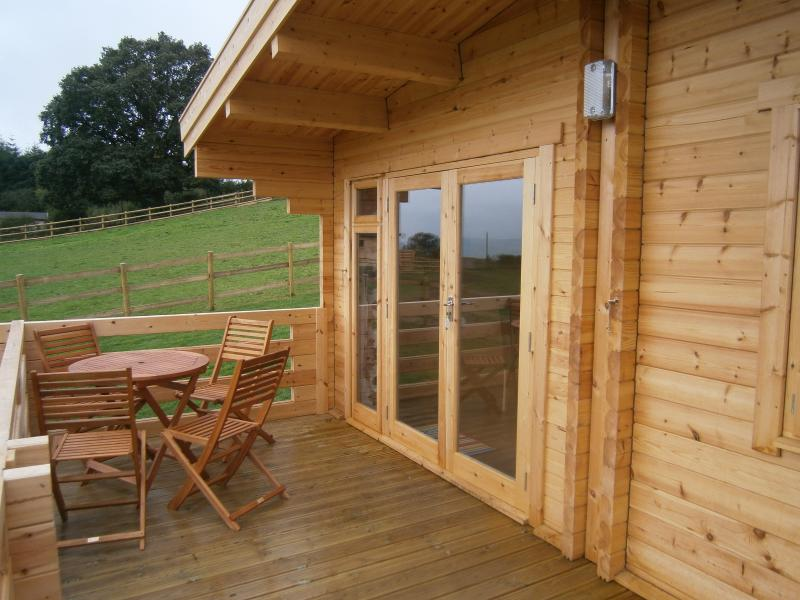 3 GROUPED CABINS EXCLUSIVE VENUE, vacation rental in Minsterley