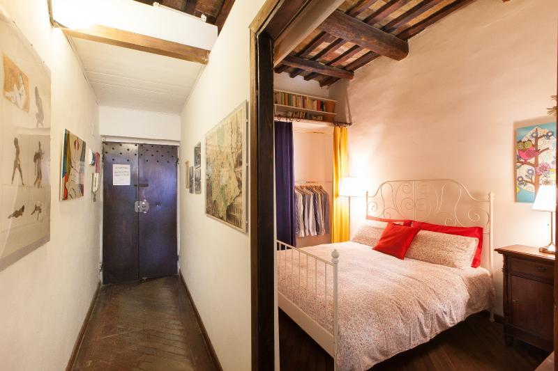 Entrance / Bedroom