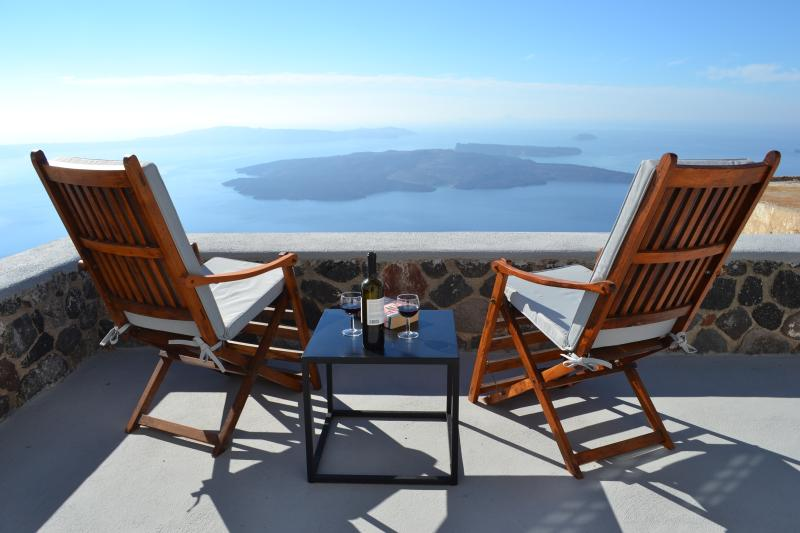 Ikia Kriton, Ferienwohnung in Santorin