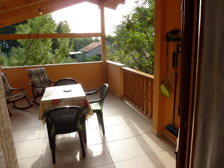 Mira Apartments, Studio Orange, holiday rental in Zavala