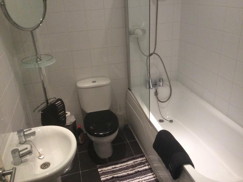 3 piece bathroom with Shower