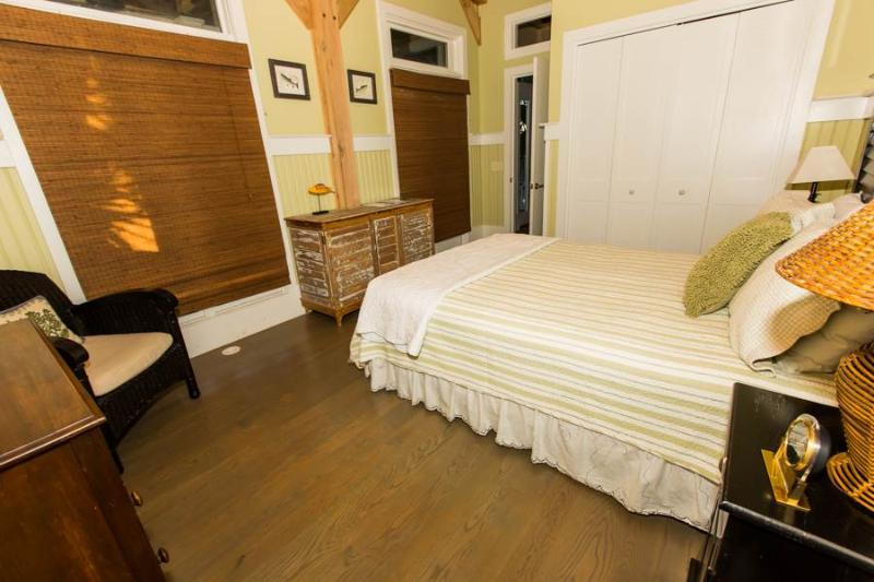 Chair,Furniture,Indoors,Room,Food