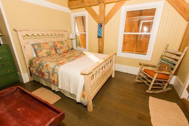 Bed,Bedroom,Furniture,Indoors,Room