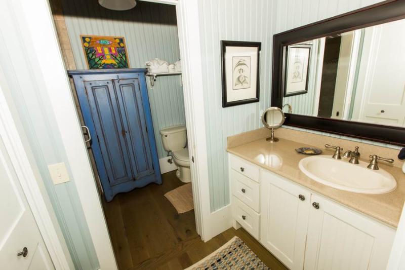 Toilet,Bathroom,Indoors,Room,Sink