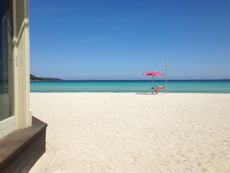 la spiaggia di marinella la più vicina
