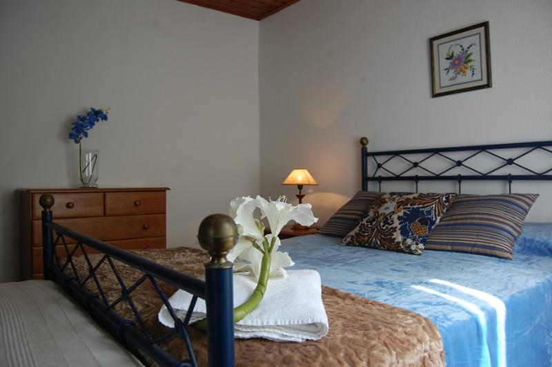 Mosteiros SEA House, vacation rental in Mosteiros