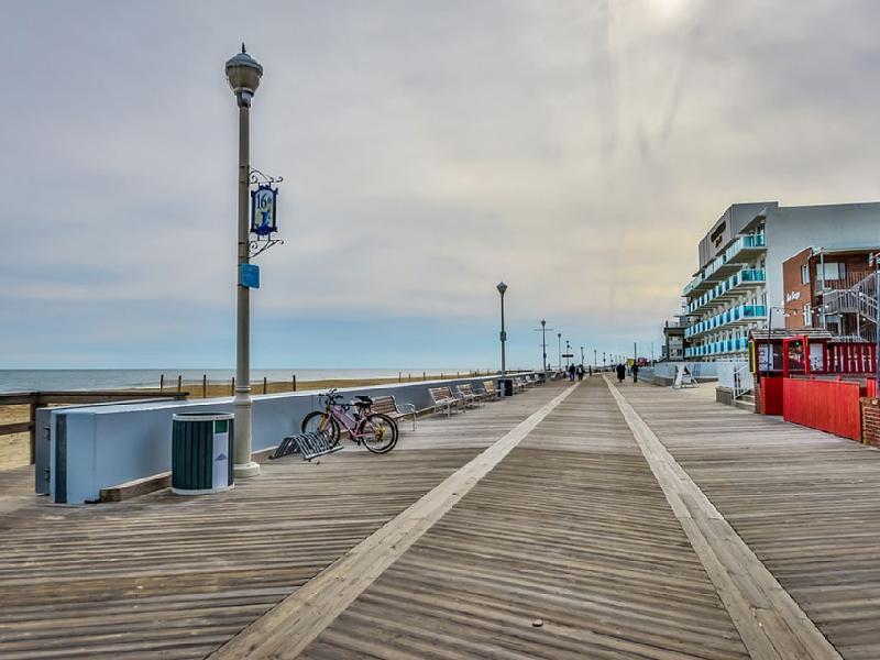 Boardwalk a short 10 minute walk away.