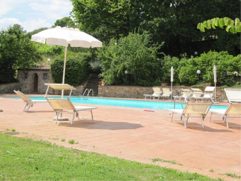 Terrenzano Villa Sleeps 6 with Pool and WiFi - 5229426, holiday rental in Brucciano