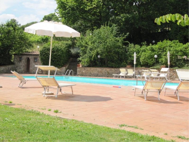 Terrenzano Villa Sleeps 6 with Pool and WiFi - 5229425, alquiler de vacaciones en Costalpino