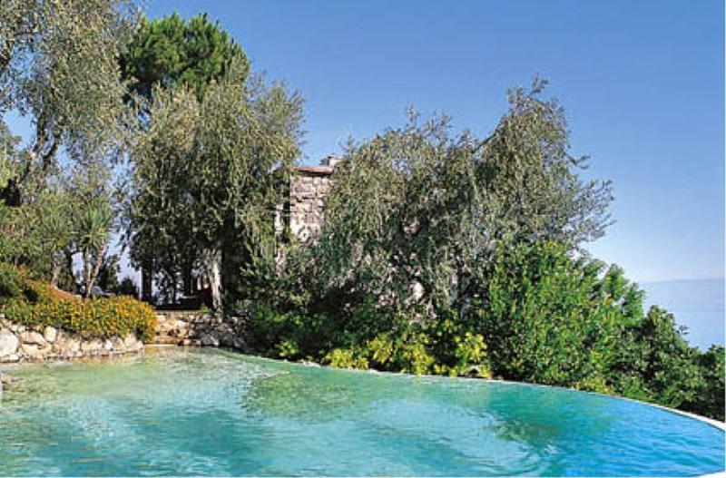 Sorrento Villa Sleeps 2 with Pool and Air Con - 5229441, alquiler vacacional en Priora