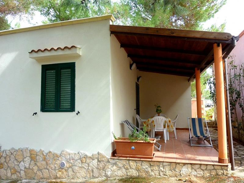 Vieste Villa Sleeps 4 with Air Con and WiFi - 5229457, holiday rental in Palude Mezzane