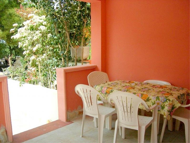 Vieste Villa Sleeps 5 with Air Con and WiFi - 5229458, holiday rental in Palude Mezzane