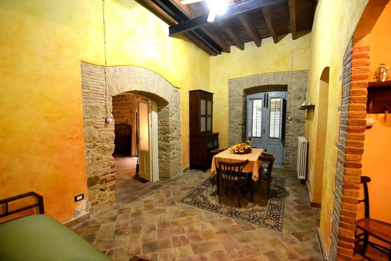 Casa Vives A, holiday rental in Montemaggiore Belsito