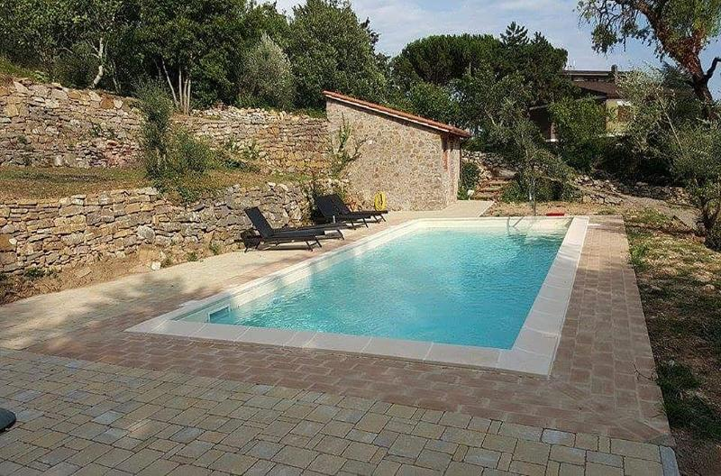 Montegiove Villa Sleeps 12 with Pool and WiFi - 5229504, holiday rental in Montegiove
